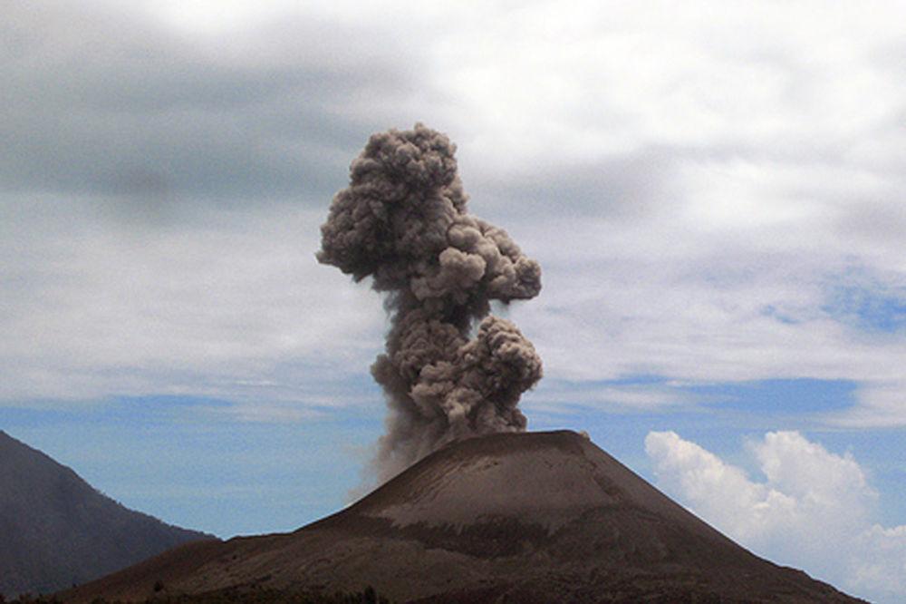 Nova snažna erupcija vulkana na ostrvu Stromboli