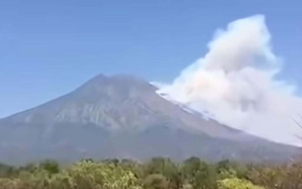 Vulkan na Baliju ne miruje