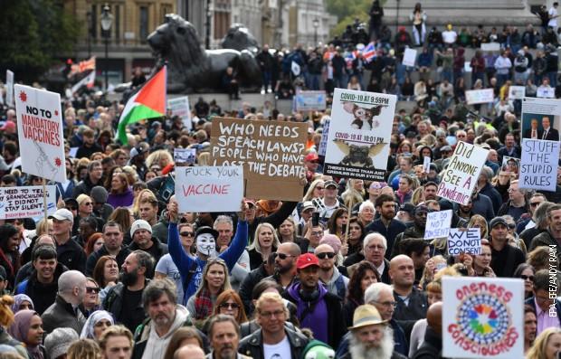 Protest protiv novih epidemioloških mera u Londonu