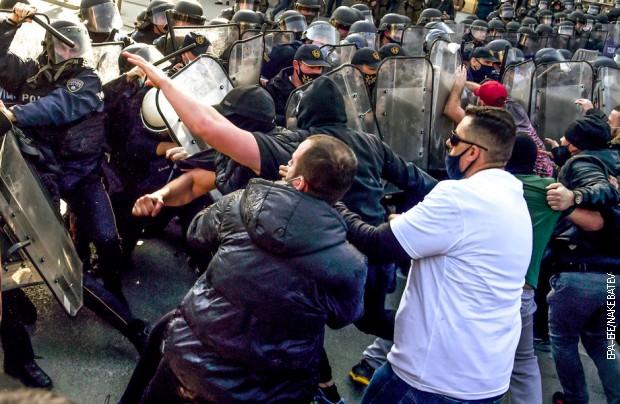 Skoplje: Uhapšeno osmoro, povređeno sedam policajaca