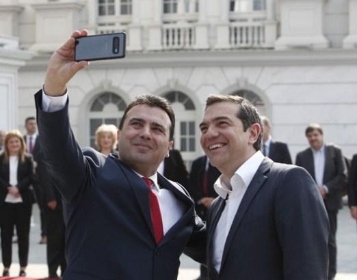 Zaev: Ako se odrekne Gruevskog uradiću selfi i sa Mickoskim