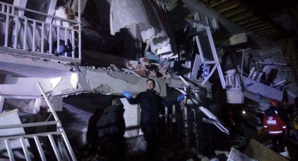 Broj žrtava zemljotresa u Turskoj i Grčkoj porastao na 14