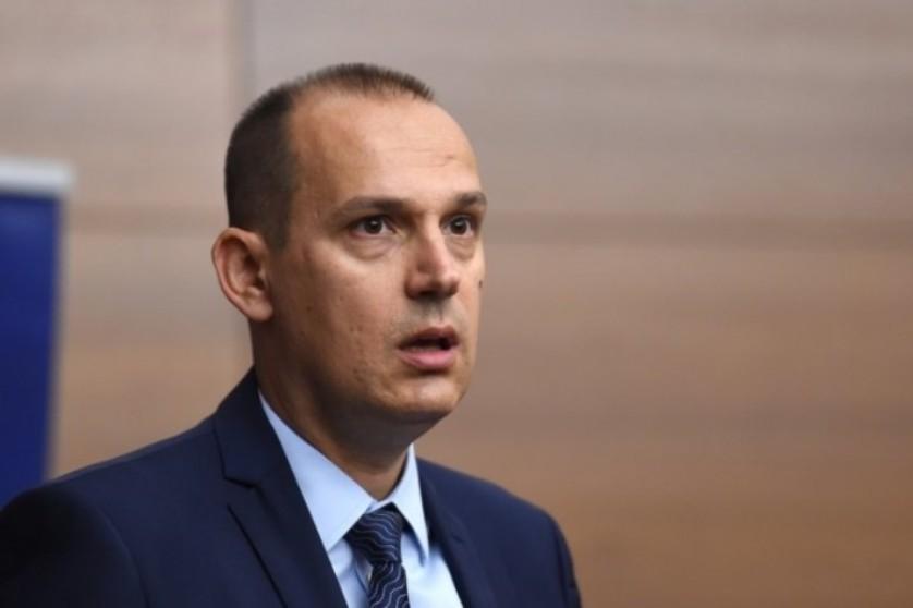 Lončar: Vučiću zdravlje narušeno zbog prevelikog rada i premora