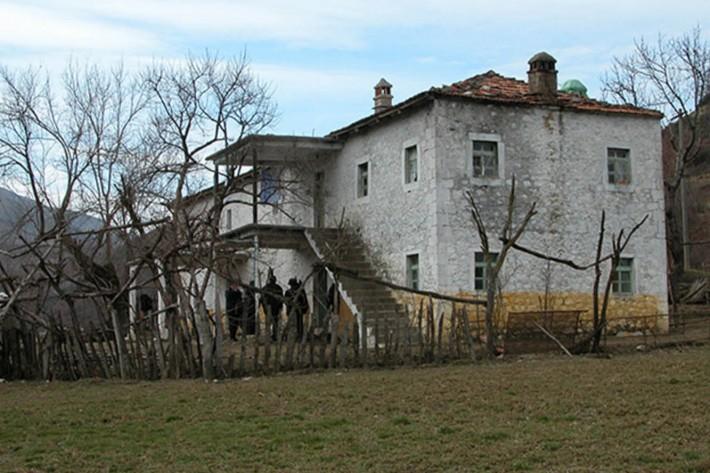 Albanci nisu sami trgovali organima: NATO je krvavim rukama upravljao OVK